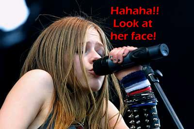 Avril makes an ugly face
